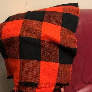 NWT Buffalo plaid scarf